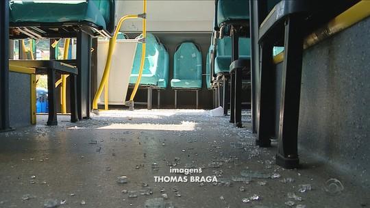 Ônibus são depredados durante o carnaval em Florianópolis
