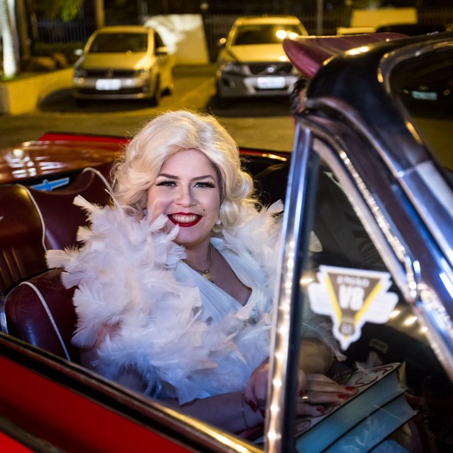 Marília Mendonça se veste de Marilyn Monroe em festão de aniversário; veja fotos exclusivas
