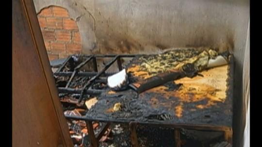 Curto-circuito em rede elétrica incendeia oficina e casa em Paragominas, no Pará