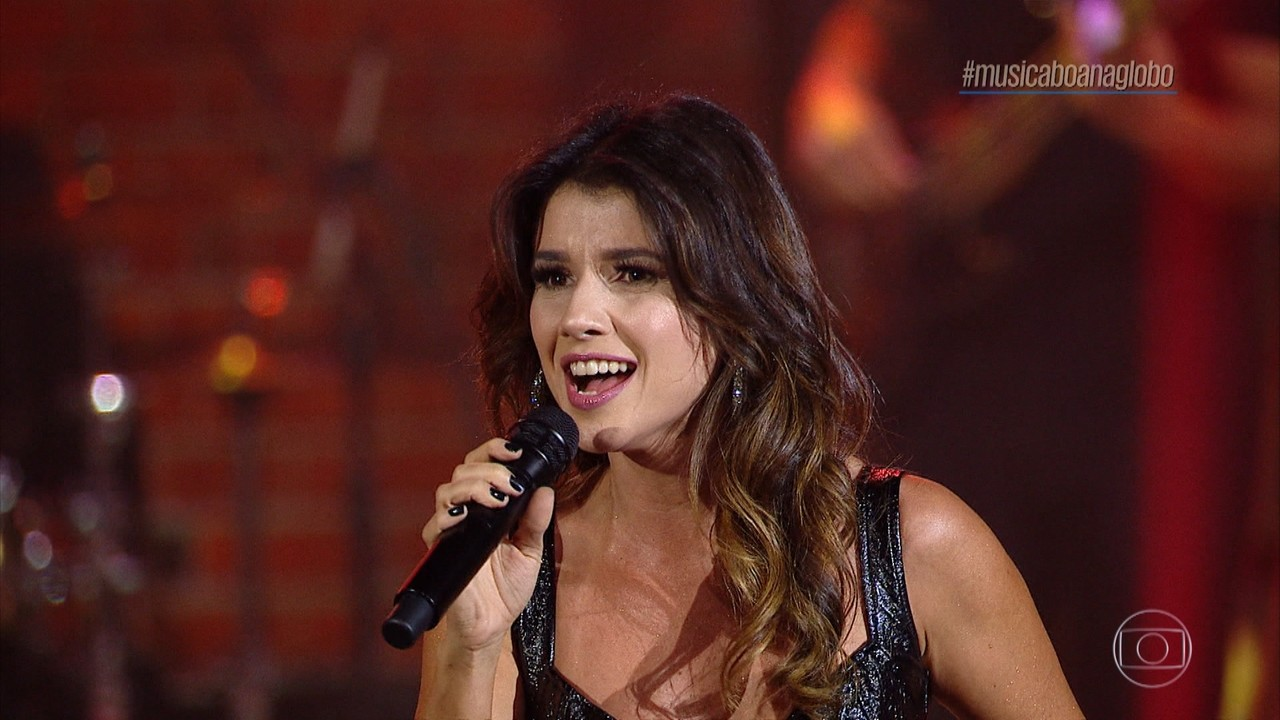 Paula Fernandes canta 'Juntos (Shallow)'