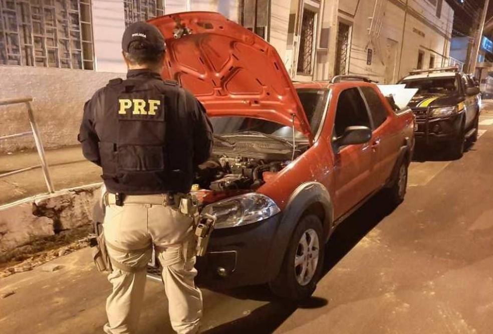 Motorista que não teve a sua identidade revelada foi conduzido para o plantão da Polícia Civil em Caxias — Foto: Divulgação/Polícia Rodoviária Federal
