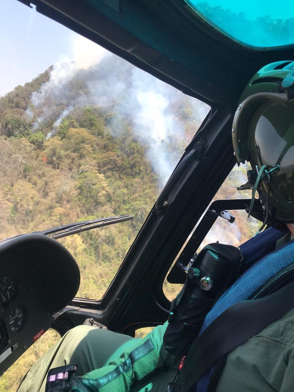 Incêndio em serra chega a seis dias com cinco focos; equipe de Bauru reforça combate - Notícias - Plantão Diário
