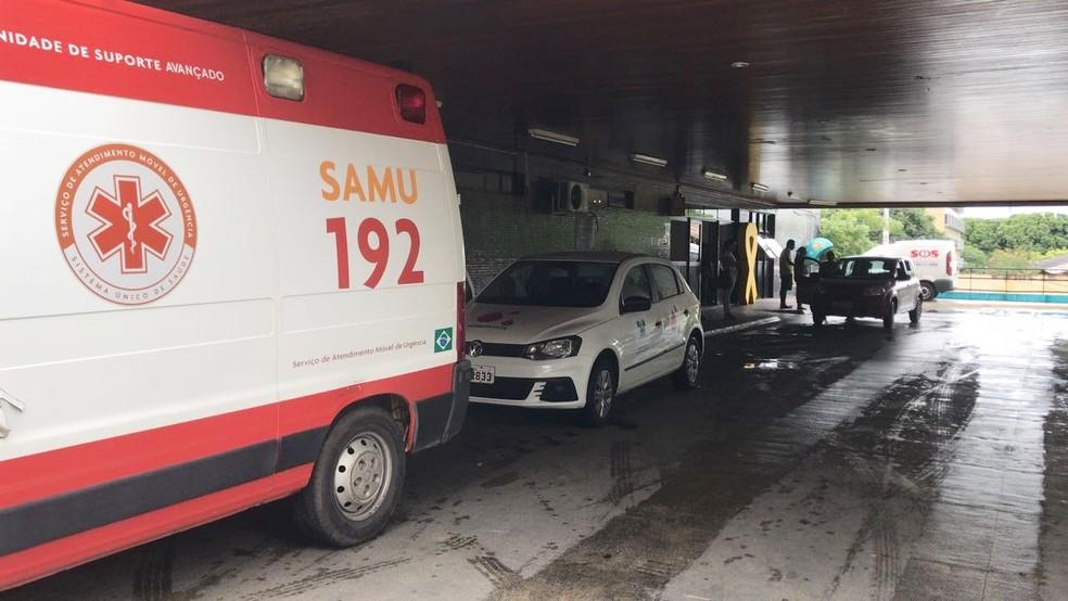 Em estado grave, jovem foi levado para o Pronto-Socorro Clóvis Sarinho (Foto: Michelle Rincon/Inter TV Cabugi)