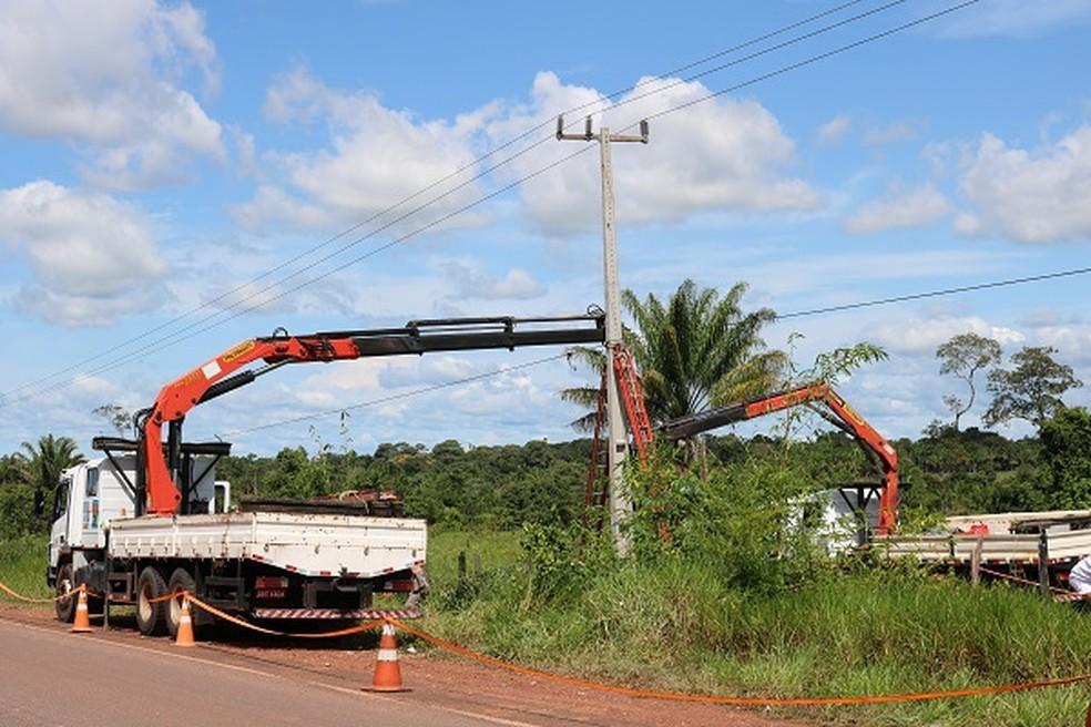 Substituição de postes. — Foto: Acervo Energisa.