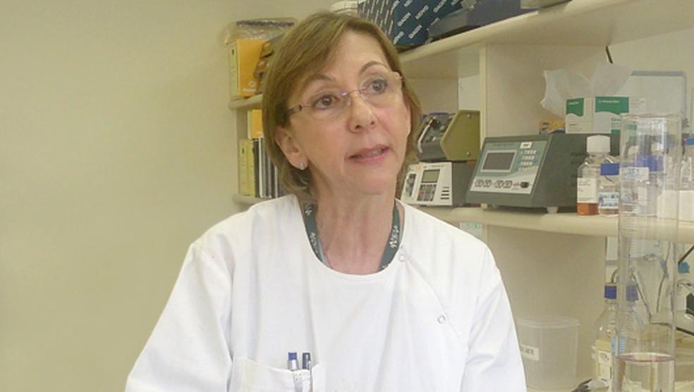 Cláudia Nunes Duarte dos Santos, virologista e chege do laboratório, explica que novo teste se baseia em