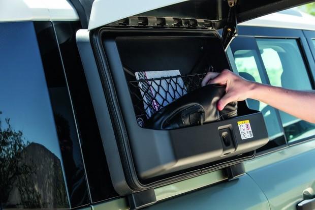 Caixas porta-objetos são úteis e dão um toque aventureiro (Foto: Divulgação)