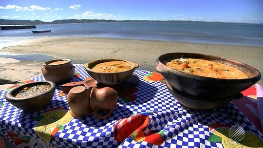 Panela de Bairro ensina a fazer caldo de carangondé, com moqueca de sororoca e pirão de banana