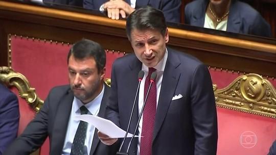 Premiê italiano renuncia e culpa ministro por derrubar governo