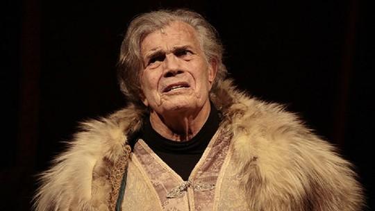 Tarcísio Meira estreia espetáculo aos 80 anos e confessa: 'Ainda tenho frio na barriga'