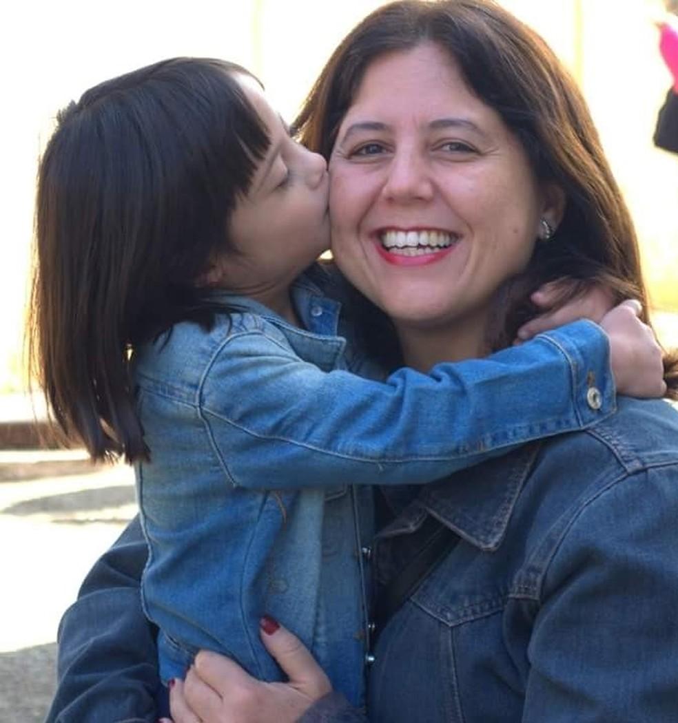 A youtuber mirim Letícia Brocchi e sua mãe Adriana Brocchi, em Campinas (Foto: Adriana Brocchi/Arquivo Pessoal)