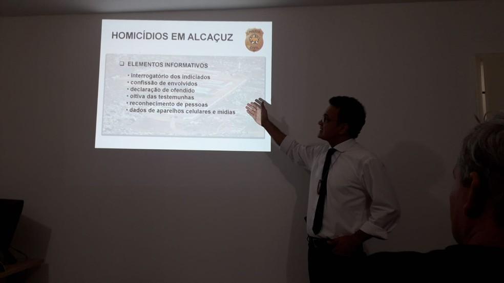 Delegado Marcus Vinícius, da DHPP, apresenta resultado das investigações sobre o massacre de Alcaçuz, em 2017 — Foto: Klênyo Galvão/Inter TV Cabugi