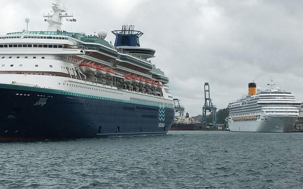 Navios chegam ao Porto de Salvador nesta segunda-feira (2), em Salvador — Foto: Cid Vaz/TV Bahia