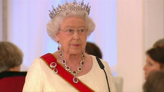 Sem Fronteiras: monarquia é uma forma de governo ultrapassada?