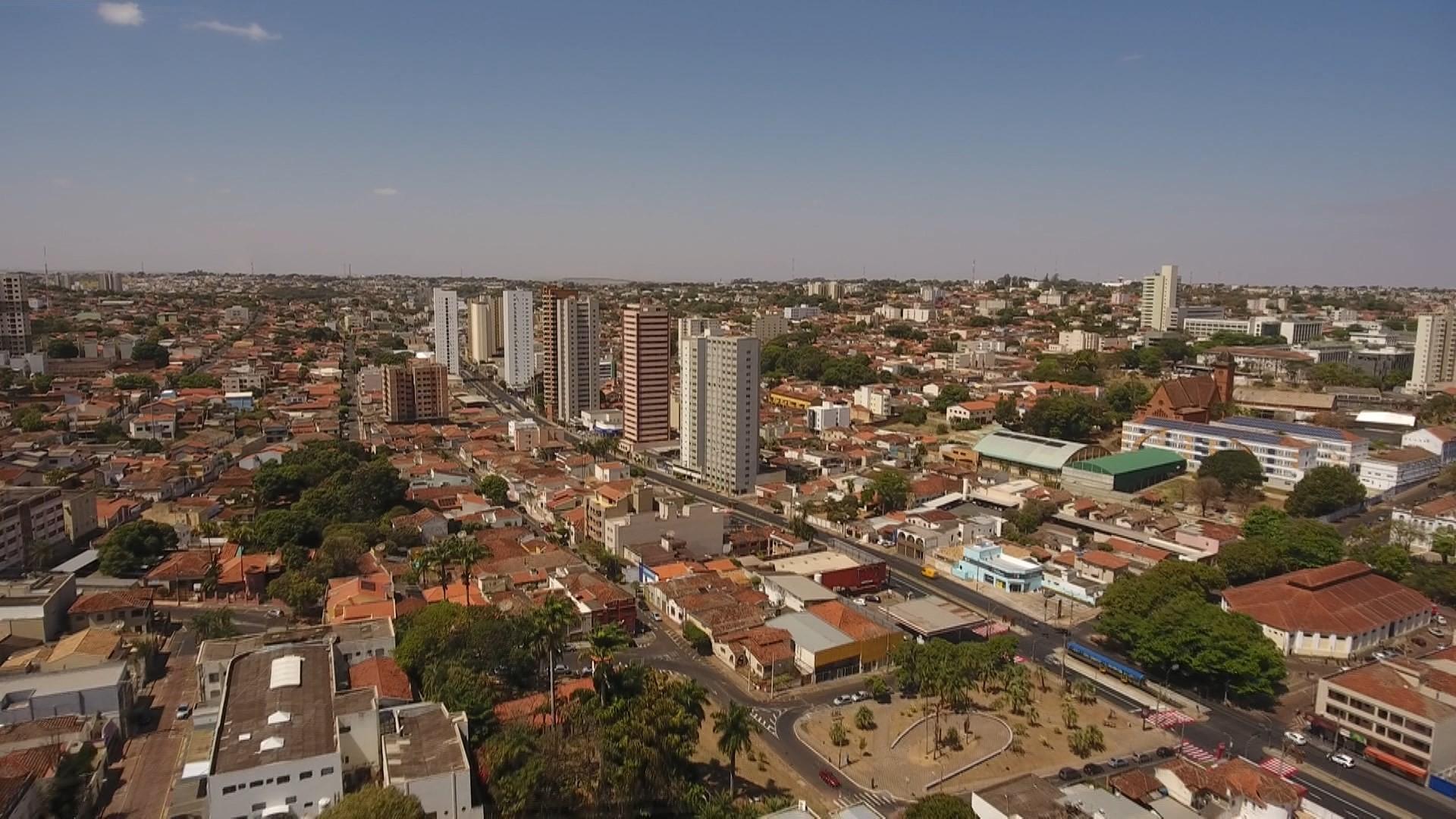 Com orçamento de mais de R$ 1,6 bilhão, LOA 2022 é protocolada na Câmara de Uberaba