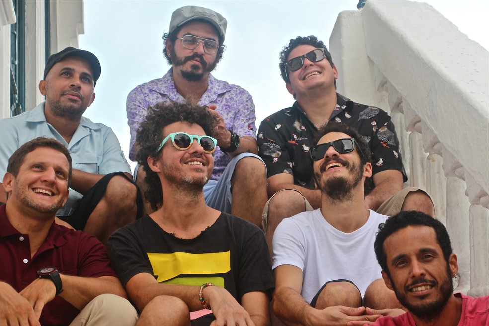Banda pernambucana Academia da Berlinda anima prévia em Olinda chamada