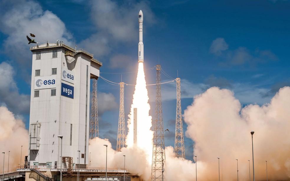 Foto de arquivo de lançamento de um foguete Veja na Guiana Francesa — Foto: Handout / CNES / AFP Photo