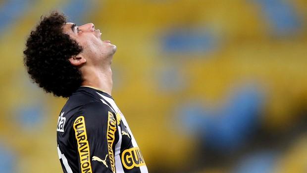 bruno mendes botafogo e atlético-pr (Foto: Vitor Silva / SSPress)