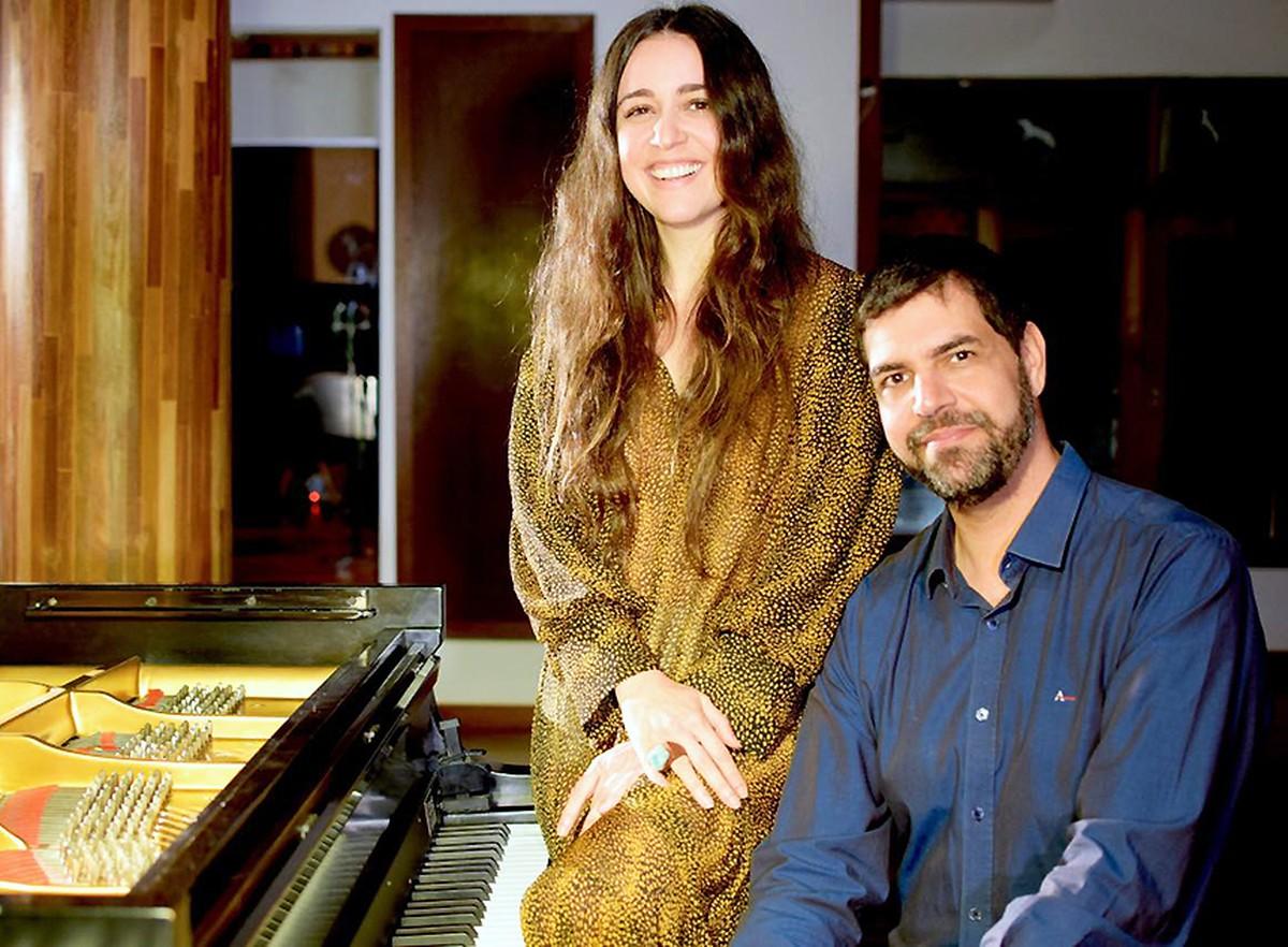 Duo de Roberta Sá com André Mehmari aponta (um) caminho para cantora | Blog do Mauro Ferreira