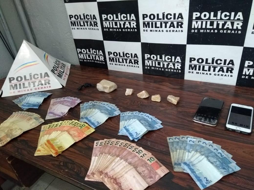 Dupla é presa por tráfico de drogas na MG-050 em Divinópolis - Notícias - Plantão Diário