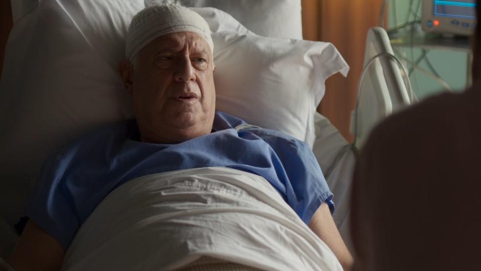 Alberto (Antonio Fagundes) recupera a memória — Foto: Globo