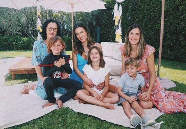 Alessandra Ambrosio festeja aniversário do filho (Foto: Reprodução/Instagram)