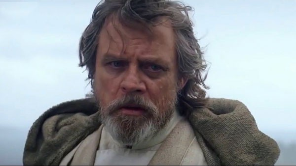 Mark Hammil como Luke Skywalker em cena de Os Últimos Jedi (Foto: Divulgação)
