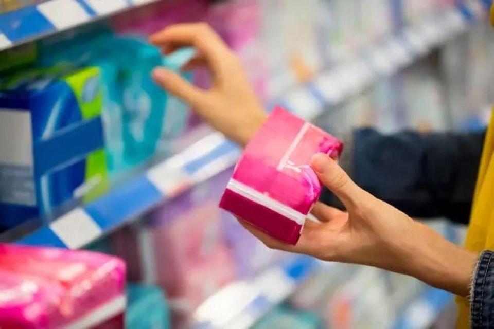 Guarapuava sanciona lei de distribuição de absorventes íntimos para mulheres em vulnerabilidade social