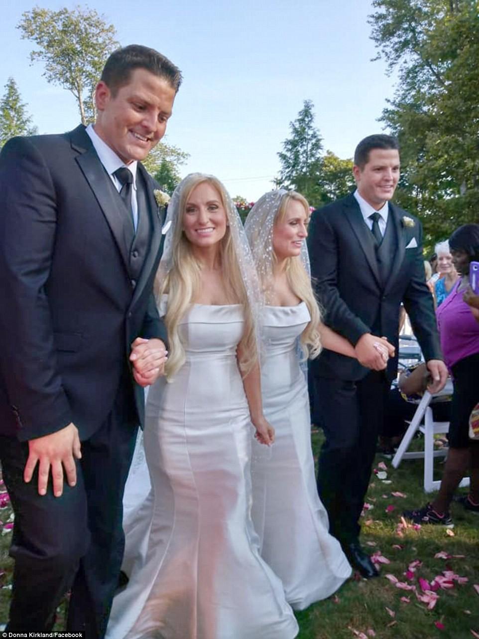 """Eles se conheceram no no evento """"Twins Day Festival"""" do ano passado - o maior encontro anual de gêmeos do mundo. (Foto: Reprodução/ Facebook)"""