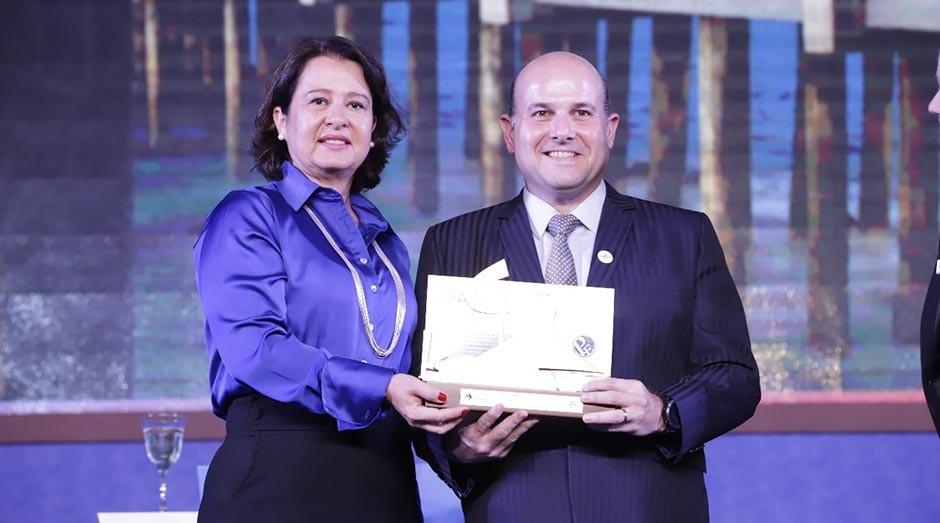 Prefeito de Fortaleza, Roberto Cláudio e a secretária de Modernização do Estado, Márcia Amorim (Foto: Charles Damasceno)