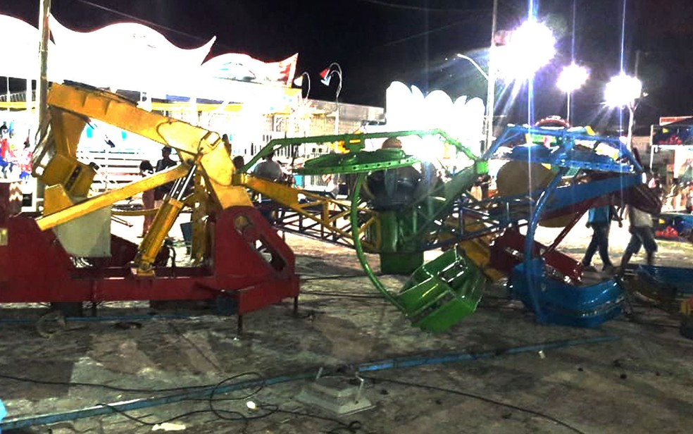 Queda de brinquedo em parque de diversões deixou feridos na Chapada Diamantina, na Bahia — Foto: Site Bahia 10