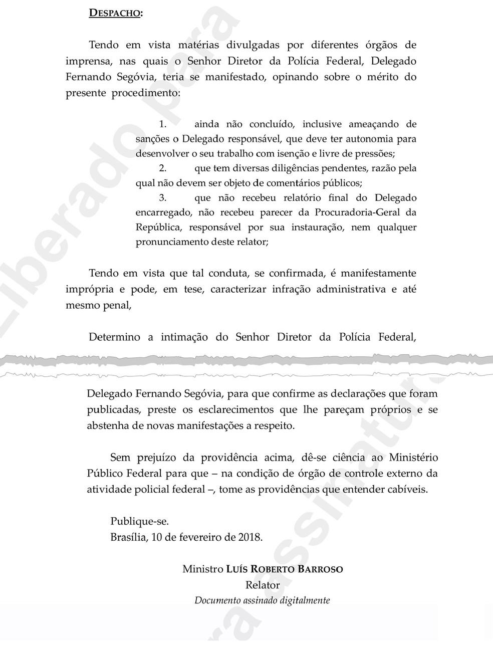 Trecho de despacho em que Barroso determina que Segovia se 'abstenha de novas manifestaAi??Ai??es' sobre inquAi??rito (Foto: ReproduAi??A?o)