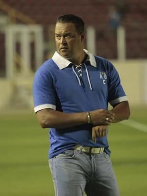 Roberto Fernandes exalta reação do Confiança (Foto: Osmar Rios)