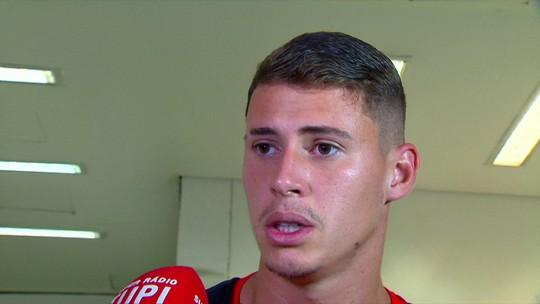 """Matheus Savio avalia vitória no clássico e vontade de jogar: """"Quis voltar para o Fla"""""""