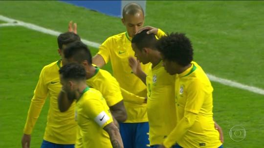 Seleção tem nove titulares para a Copa, e disputa na zaga e no meio-campo