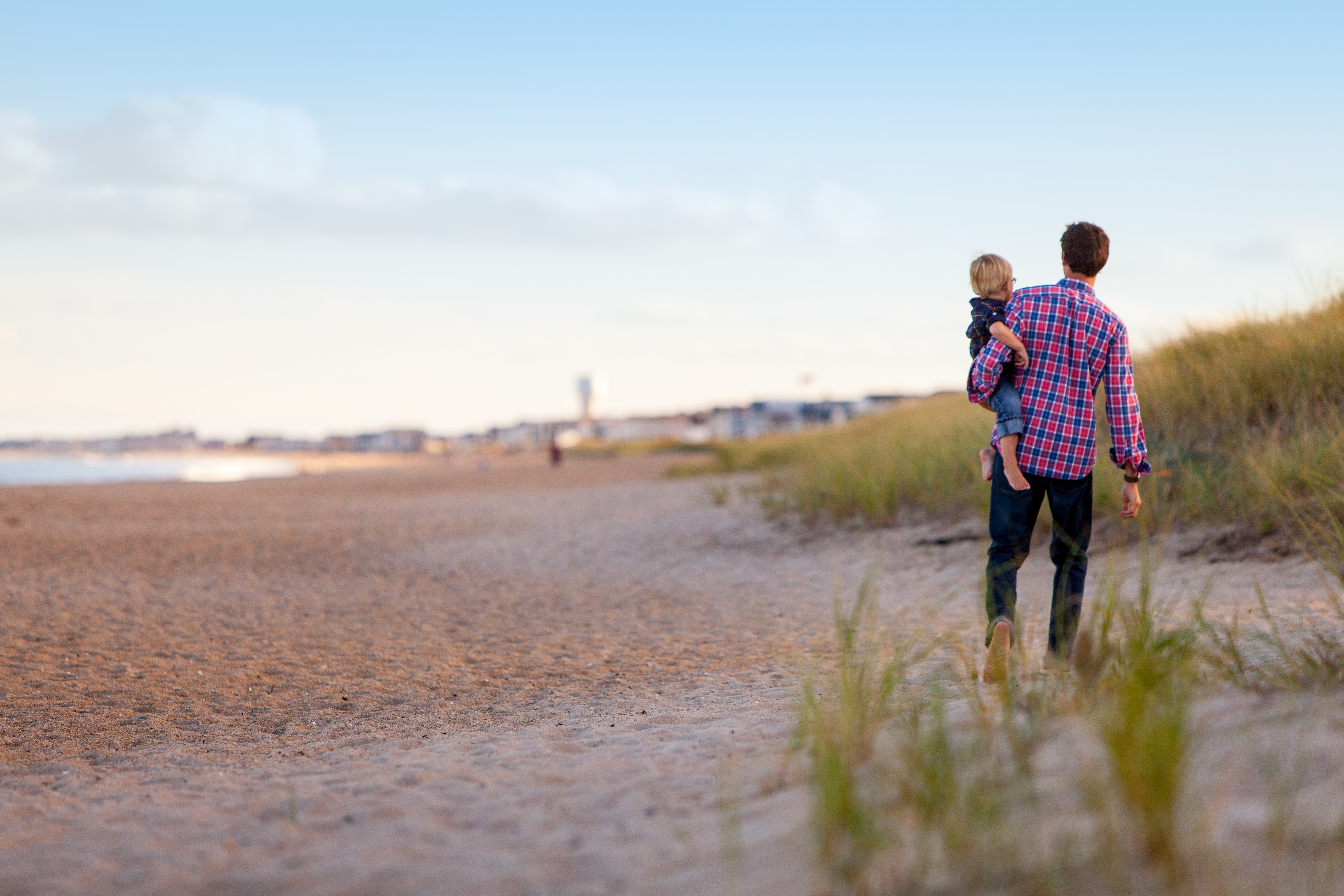 A paternidade e seus dilemas (Foto: Unsplah/Danielle MacInnes)