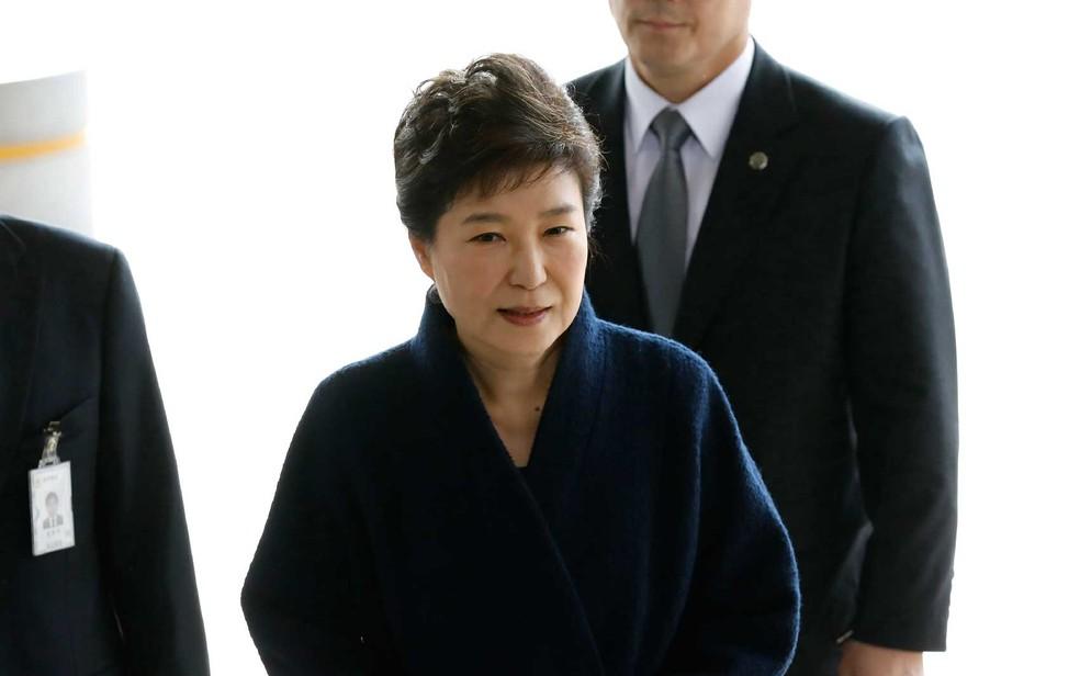 -  Park Geun-hye chega ao escritório do promotor em Seul, em imagem de arquivo  Foto: Kim Hong-ji / AFP Photo