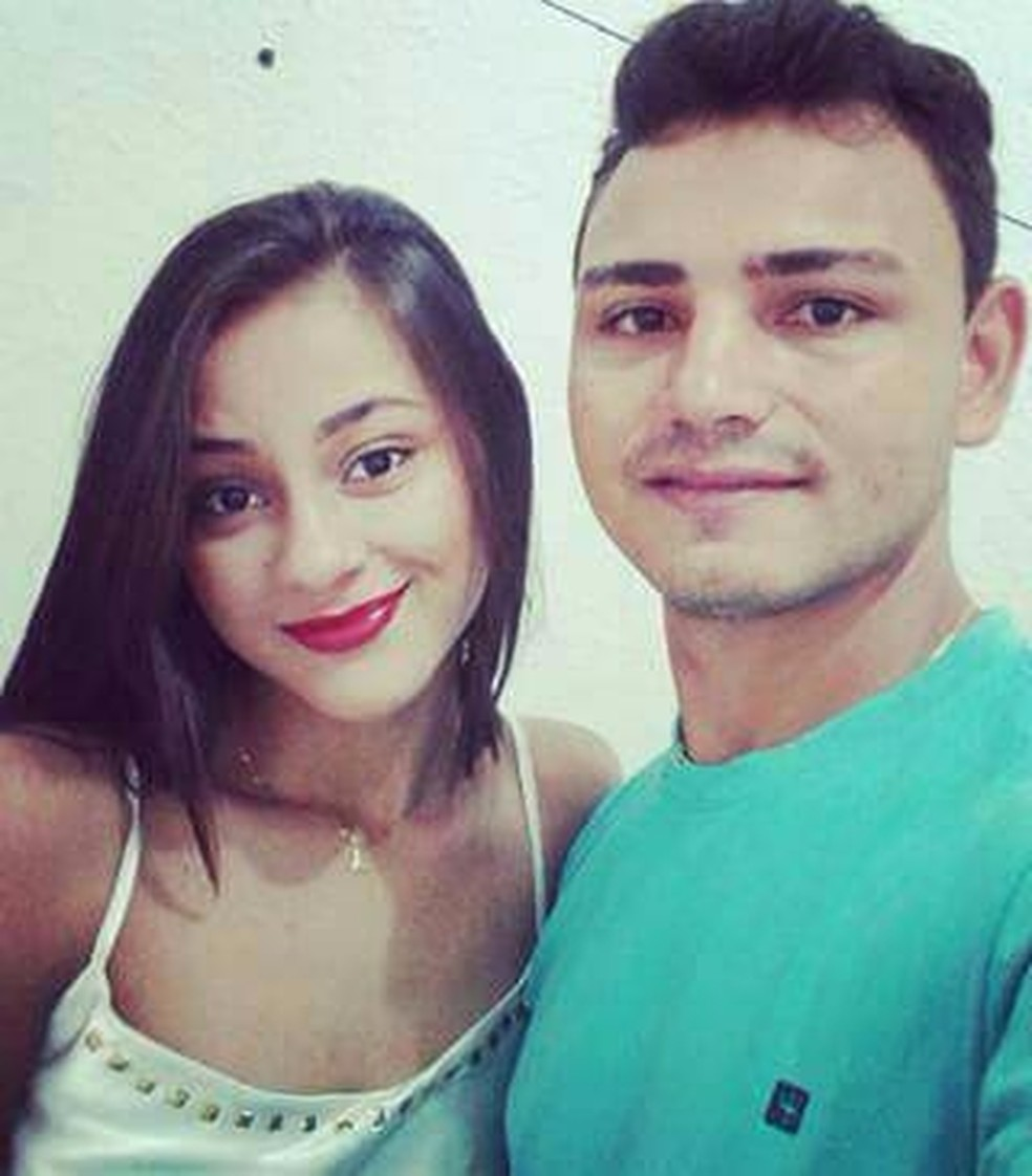 Andrea Leitte era namorada de Thiago Martins (Foto: Reprodução/Facebook)