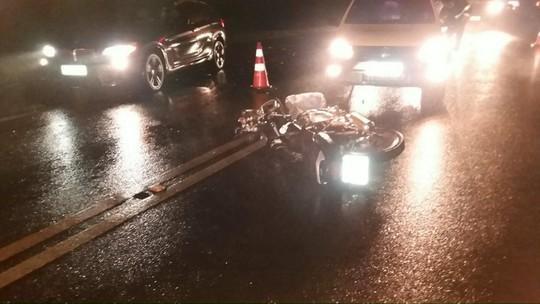 Jovem de 19 anos fica gravemente ferido em acidente de moto em Ibema
