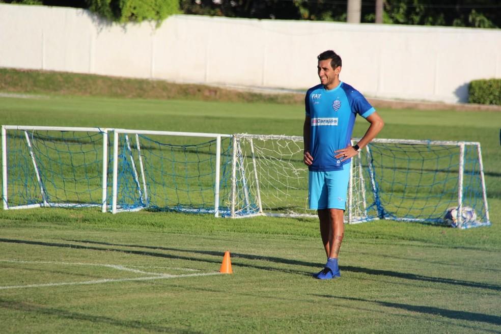 Maidana se machucou e jogou apenas uma vez — Foto: Denison Roma/GloboEsporte.com