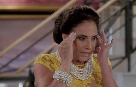 Na segunda (15), Mercedes (Totia Meireles) se assustará ao se deparar com Galdino (Gabriel Godoy) em seu quarto TV Globo