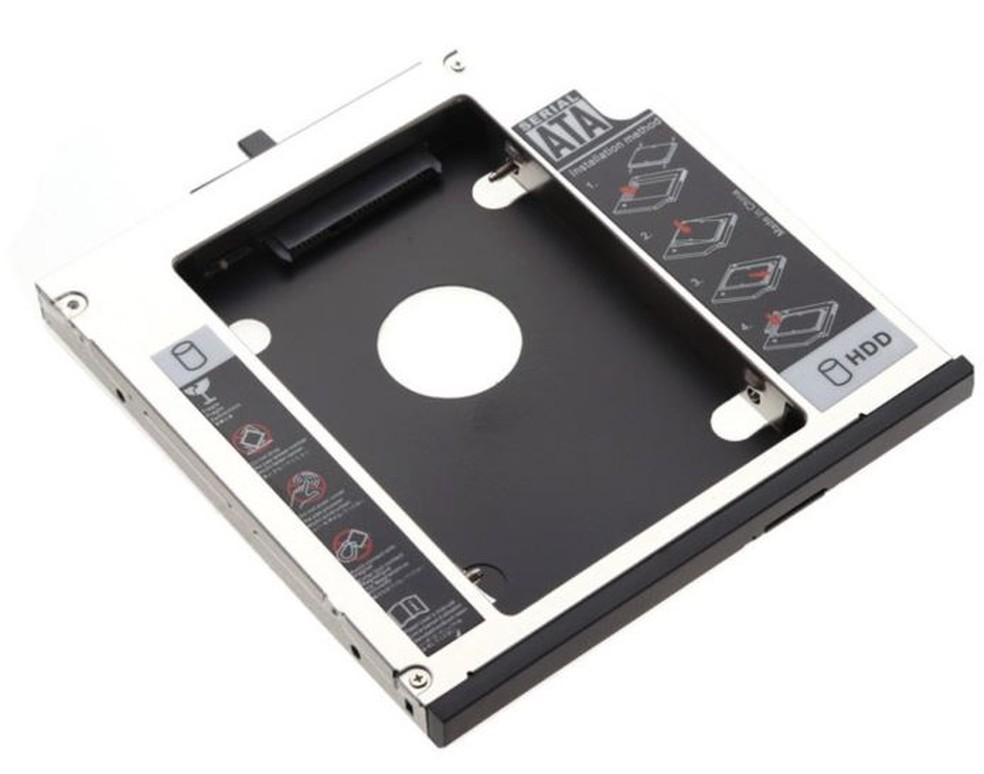Adaptador caddy permite adicionar um HD ou SSD no lugar do leitor de CD/DVD do notebook. — Foto: Divulgação/ exBom