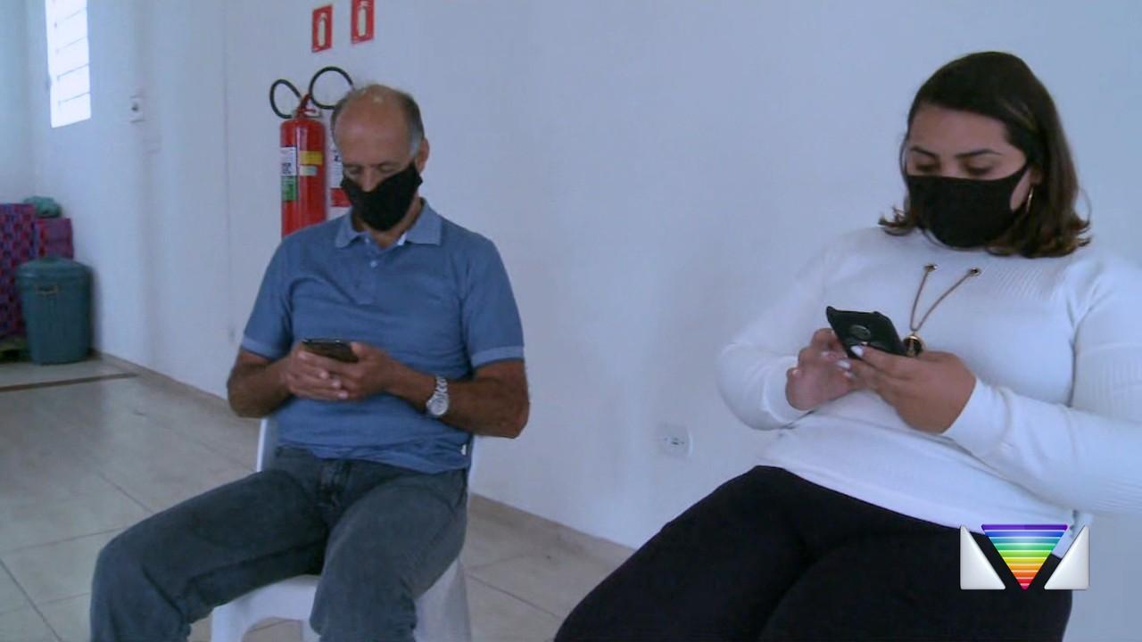 Grupo faz companhia virtual para idosos pelo celular em Caraguá