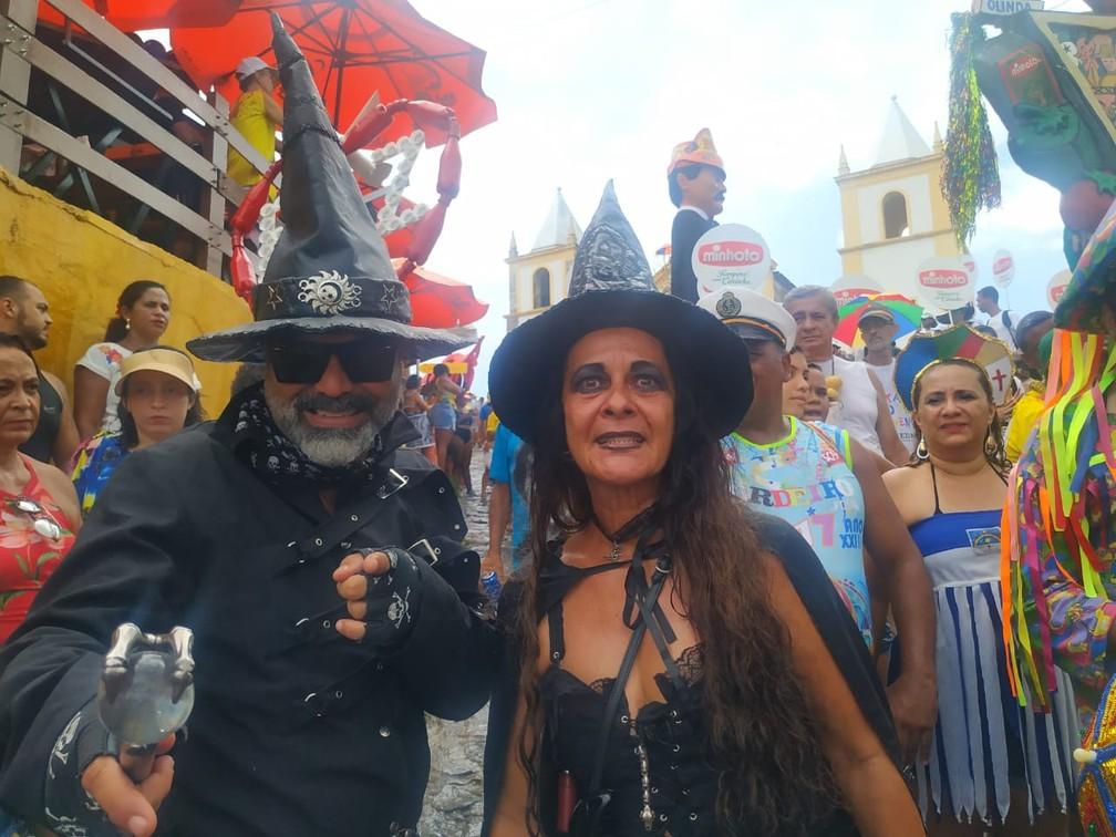 Moradores de Olinda, , Ricardo Gusmão e Selma Valongueiro fecham a folia com o Bacalhau do Batata há mais de 20 anos — Foto: Caíque Batista/G1