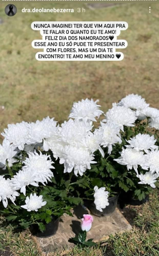 Deolane Bezerra, viúva de MC Kevin, visitou o túmulo do cantor  (Foto: Reprodução/Instagram)