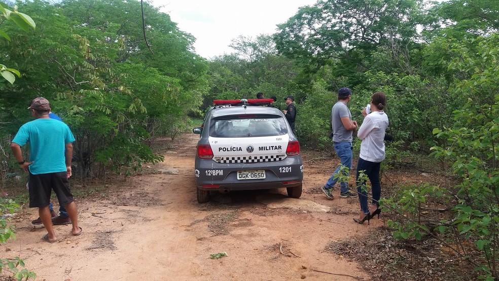 Corpos dos dois jovens mortos foram encontrados no Sítio Santana, na zona rural de Mossoró (Foto: Ivanildo Silva/Passando na Hora )