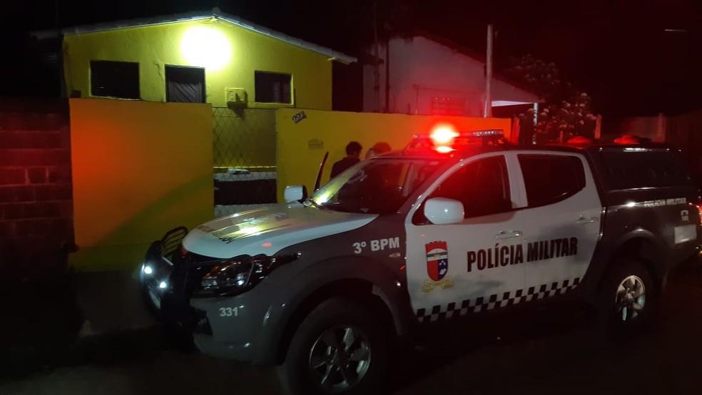 Homem morreu em casa da vizinhança, onde tentou se esconder dos assassinos, na Grande Natal — Foto: Sérgio Henrique Santos/Inter TV Cabugi