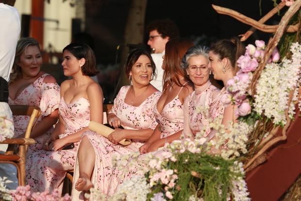 Vanessa Giácomo, Antonia Morais e Cássia Kis entre as madrinhas (Foto: Dilson Silva/Agnews)