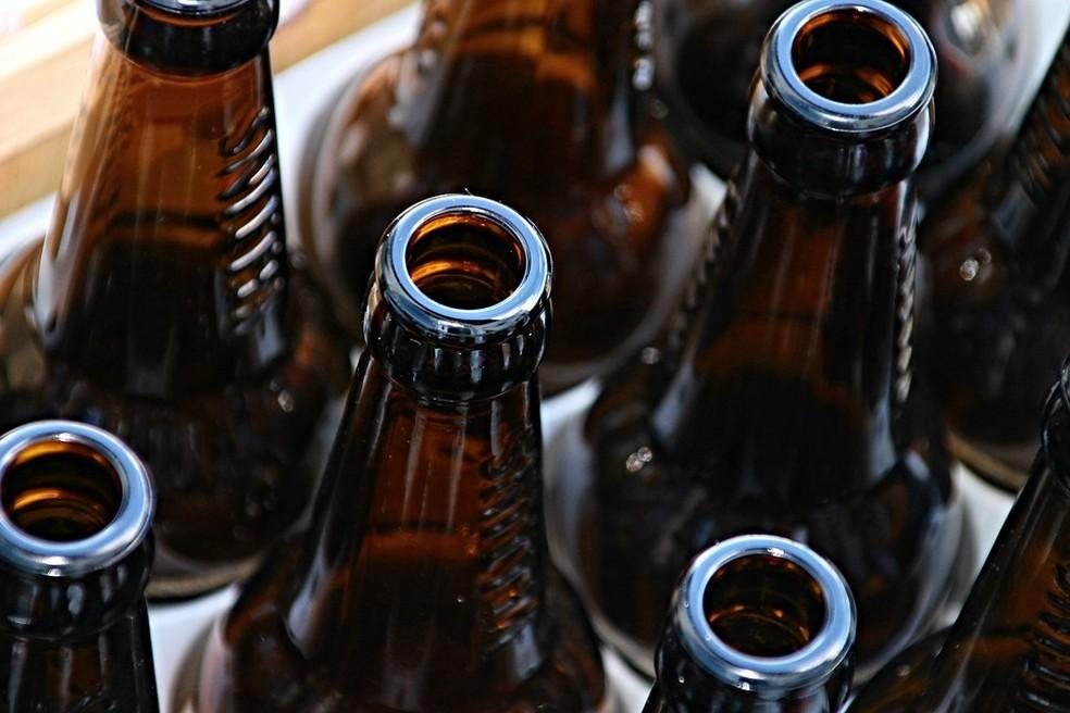 Garrafas de vidro são exemplo de material reciclável (Foto: Pixabay/Divulgação)