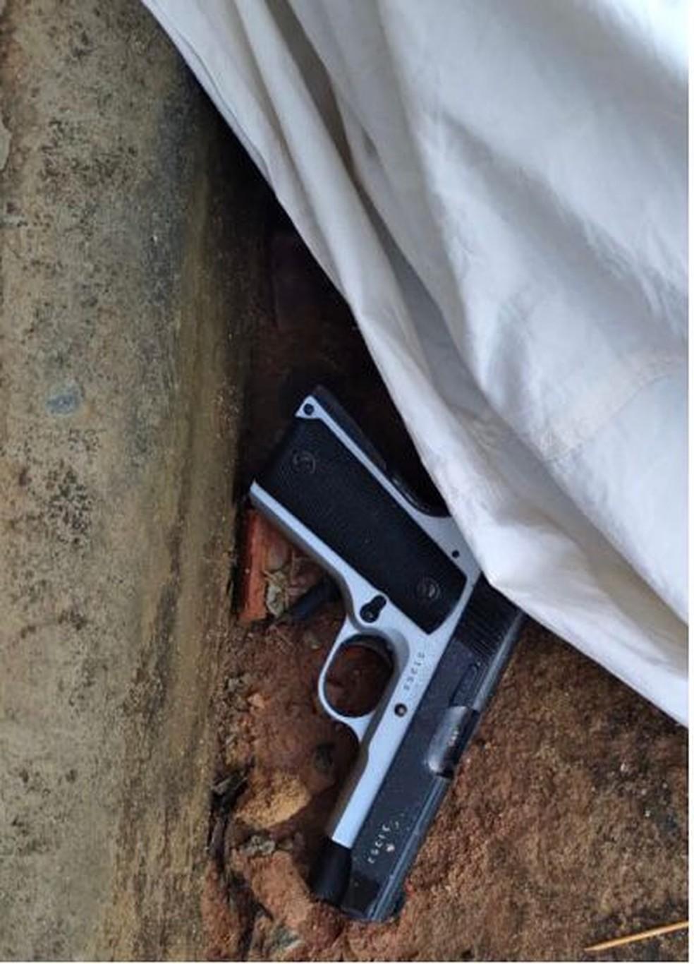 Arma que foi utilizada no crime em Astolfo Dutra — Foto: PM/Divulgação