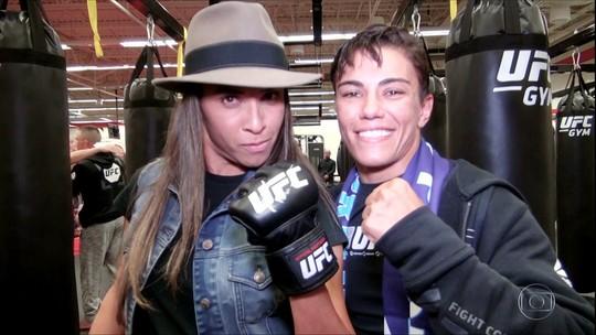 Antes de luta em Orlando, Jéssica Andrade realiza o sonho de conhecer Marta
